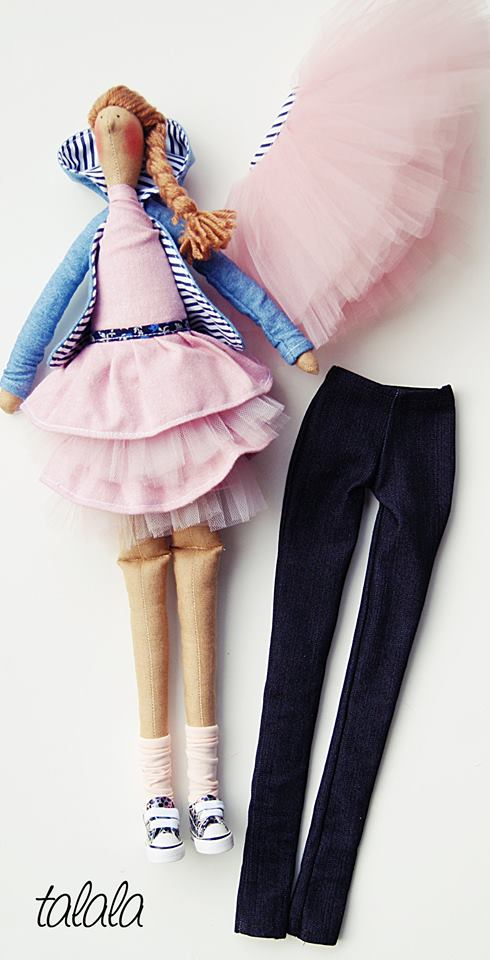 lalka z ubrankami