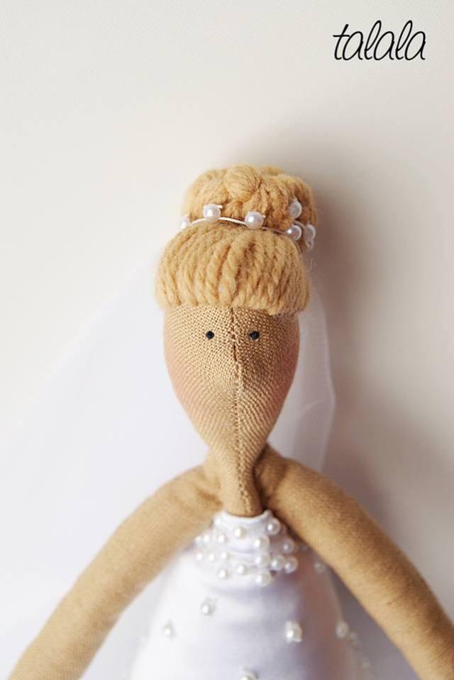 lalka  personalizowana blondynka w koku