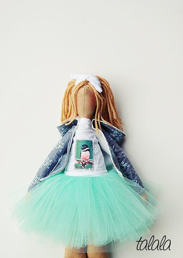 Lalka dostępna w sklepie online