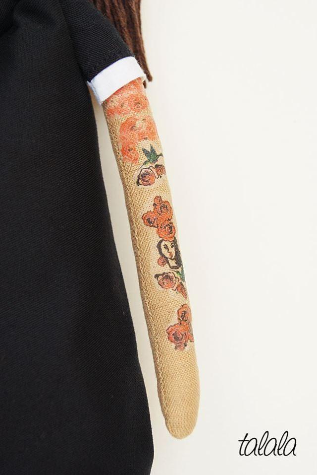 lalka-z-tatuazami