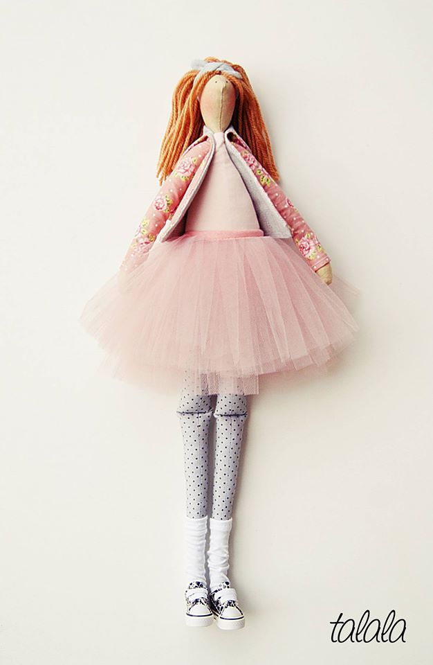 pastelowe-kolory-lalki-szyte-recznie
