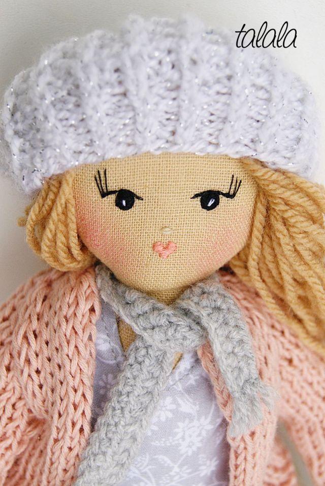 Lalka z ubrankami. Rozbieralne lalki Talala