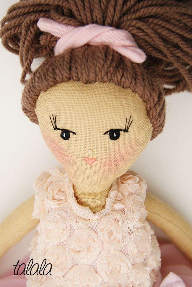Lalka Handmade ręcznie szyta z ubrankami